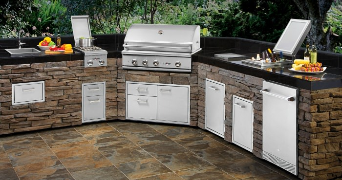 Delta Heat Outdoor Kitchen